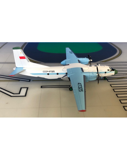 Aeroflot Antonov AN-26 CCCP-47325 1/200 scale diecast AviaBoss Models