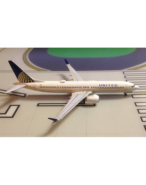 United Boeing 737-Max 9 N67501 1/400 scale diecast Aeroclassics