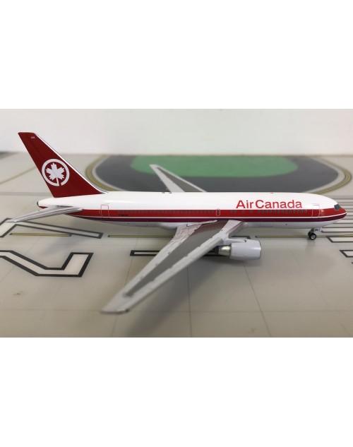 Air Canada Boeing 767-233 C-GAUS 1990's 1/400 scale diecast Aeroclassics