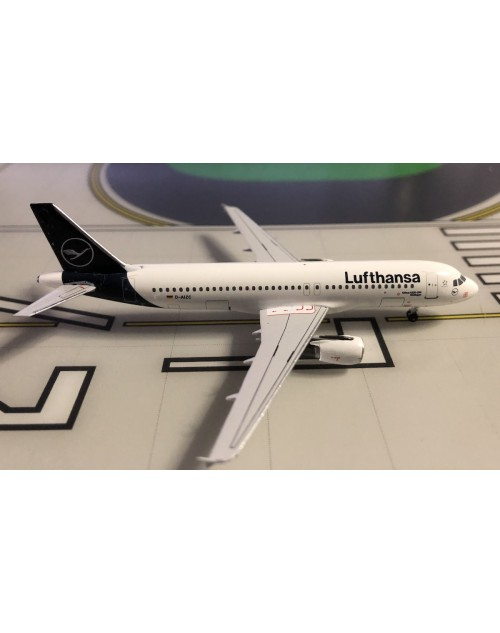 Lufthansa Airbus A320-214 D-AIZC New colors 1/400 scale diecast Aeroclassics