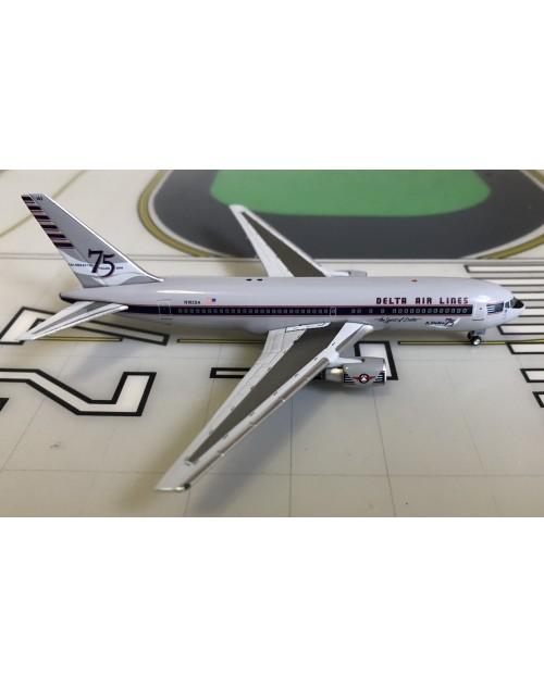 Delta Boeing 767-200 N102DA 75th Anniversary 1/400 scale diecast Aeroclassics