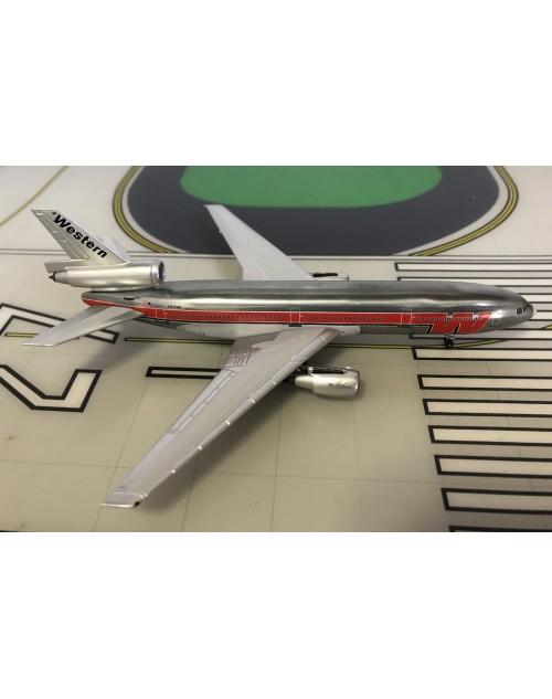 Western Douglas DC-10-10 N912WA Bud Light 1/400 scale diecast Aeroclassics