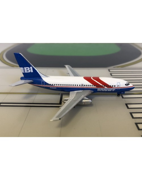 Braniff Boeing 737-200 N465AC late 1980s 1/400 scale diecast Aeroclassics