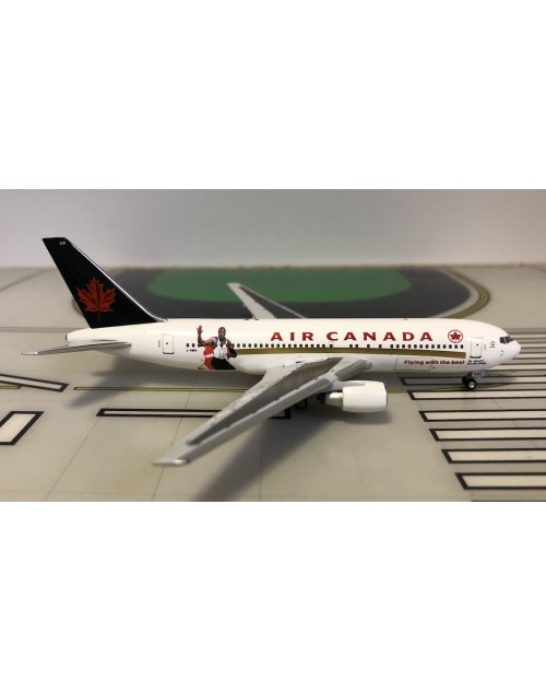 Air Canada Boeing 767-233ER C-FBEG Flying the Best 1/400 scale diecast Aeroclassics