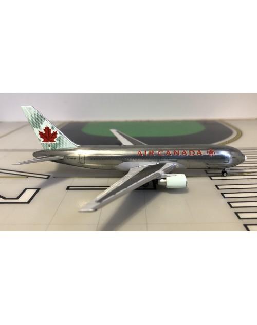 Air Canada Boeing 767-233ER C-GDSP Bare metal 1/400 scale diecast Aeroclassics