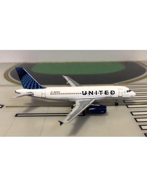 United Airbus A319-111 N3303U 2019 colors 1/400 scale diecast Aeroclassics