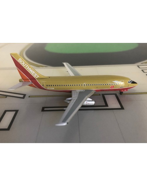 Southwest Boeing 737-200 N53SW 1980s colors 1/400 scale diecast Aeroclassics