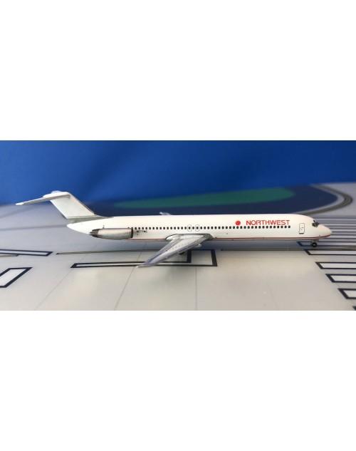 Northwest Douglas DC-9-51 N777NC 1980s Hybrid Republic 1/400 scale diecast Aeroclassics