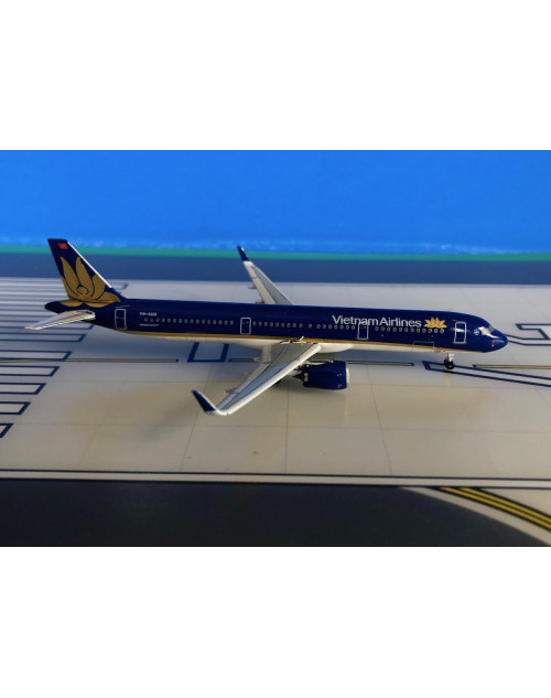 Vietnam Airlines Airbus A321NEO VN-A618 1/400 scale diecast Aeroclassics
