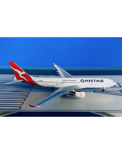 Qantas Airbus A330-202 VH-EBN Current Colors 1/400 scale diecast Aeroclassics