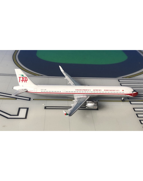 TAP Air Portugal Airbus A321NEO CS-TJR Retro 1/400 scale diecast Aeroclassics