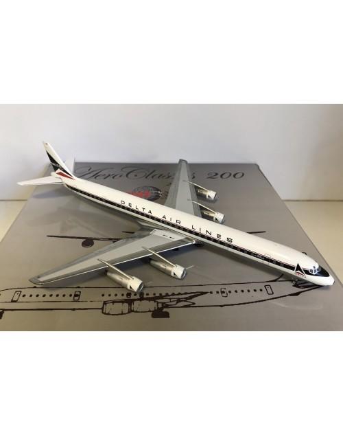Delta Air Lines DC-8-61 N822E Widget 1/200 scale diecast Aeroclassics