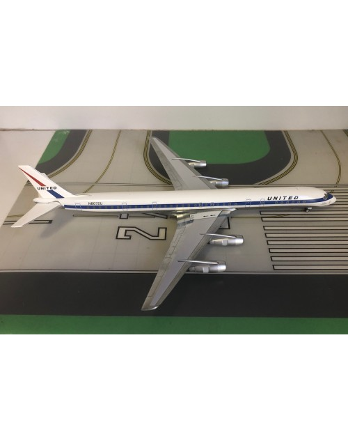 United Douglas DC-8-61 N8072U delivery colors 1/200 scale diecast Aeroclassics