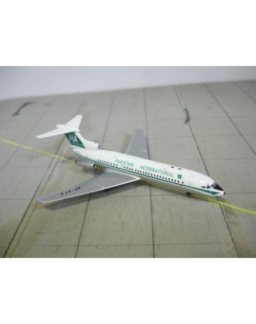 Pakistan International Hawker Siddeley Trident 1E AP-ATK 1/400 scale diecast Aeroclassics