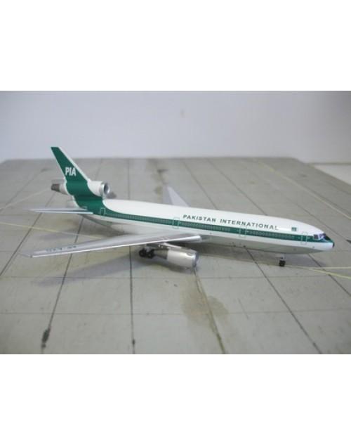 Pakistan Douglas DC-10-30 AP-AXD 1/400 scale diecast Aeroclassics