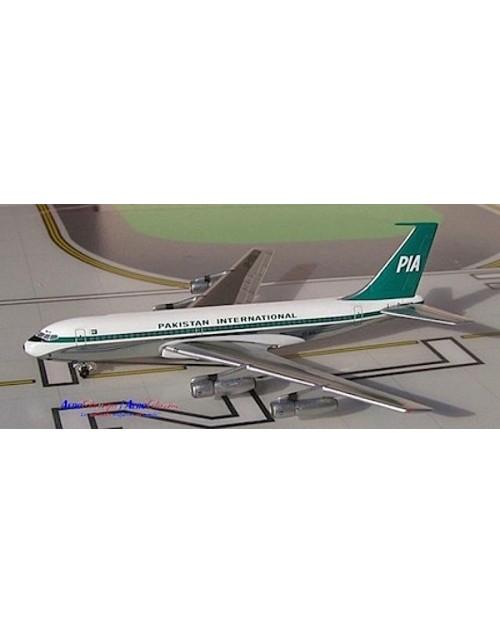 Pakistan International Boeing 720-040B AP-ATQ 1/400 scale diecast Aeroclassics