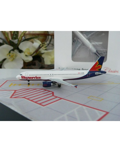 SkyService Canada Airbus A320-212 C-GTDB 1/400 scale diecast Aeroclassics