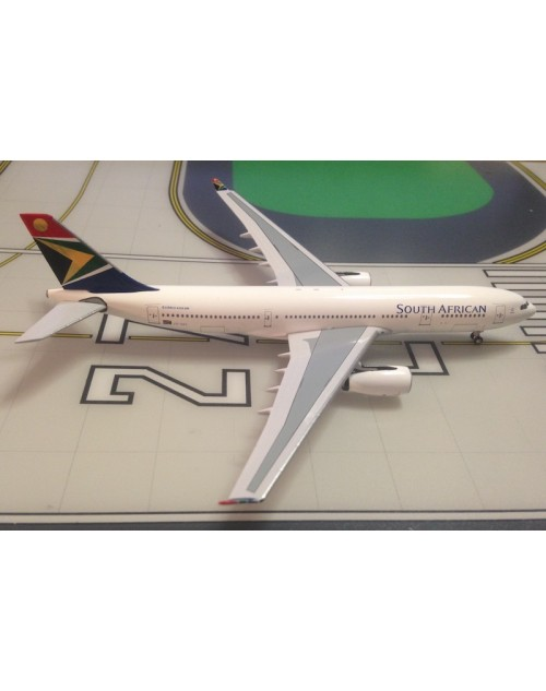 South African Airbus A330-243 ZS-SXY 1/400 scale diecast Aeroclassics