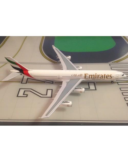 Emirates Airbus A340-313 A6-ERP 1/400 scale diecast Aeroclassic