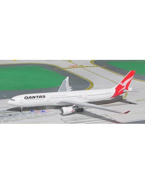 Qantas Airbus A330-303 VH-QPG 2000s colors 1/400 scale diecast Aeroclassics