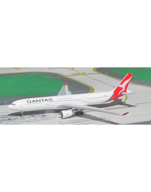 Qantas Airbus A330-303 VH-QPH New colors 1/400 scale diecast Aeroclassics