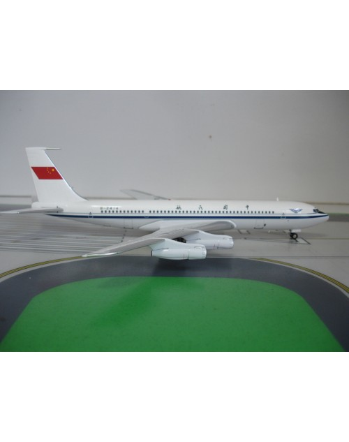 CAAC - Civil Aviation Administration of China Boeing 707-3J6C B-2414 1:200 scale diecast Aviation 200 Models