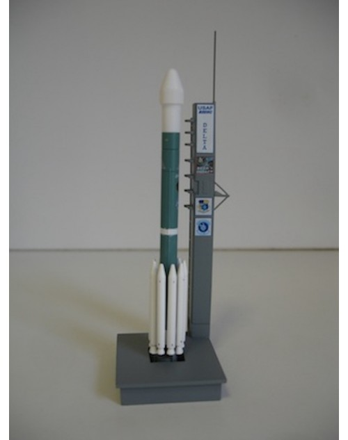 Delta II Rocket with Launch Pad deep Impact 1/400 scale dragon Wings Space Collection