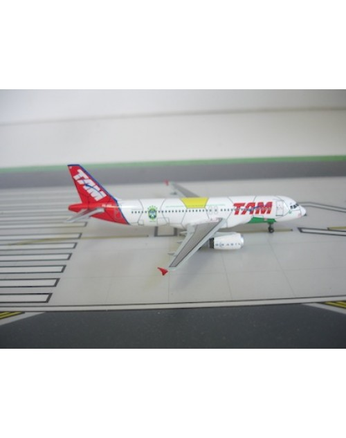 TAM (Brazil) Airbus A320-232 PR-MAP World Cup 2010 1/400 diecast Dragon Wings Models