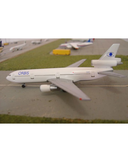 Orbis Douglas DC-10-10 N220AU Corporate release 1/400 scale diecast Dragon Wings Models
