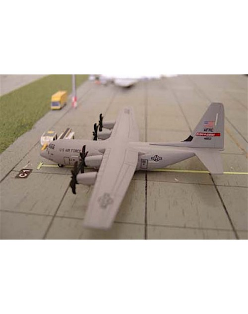 USAF Lockheed C-130J Hercules 37th Airlift Squadron AFRC Flying Jennies 48152 1/400 scale diecast Dragon Wings Models