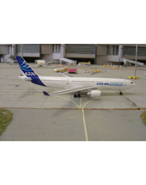 Airbus Industries Airbus A330-200 House colors 1/400 scale diecast Dragon Wings Models