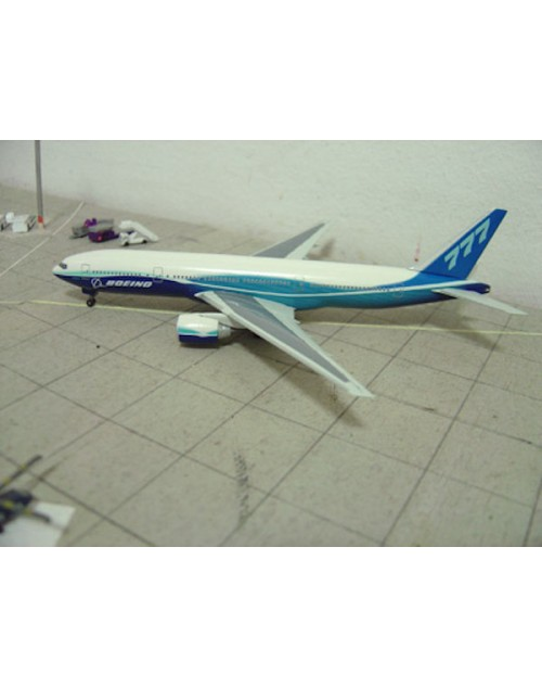 Boeing 777-200ER Boeing's Dreamliner house colors 1/400 scale diecast Dragon Wings