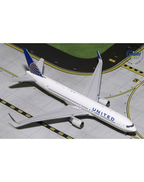 United Boeing 767-322ER (W) N676UA Post Merger 1/400 scale diecast Gemini Jets