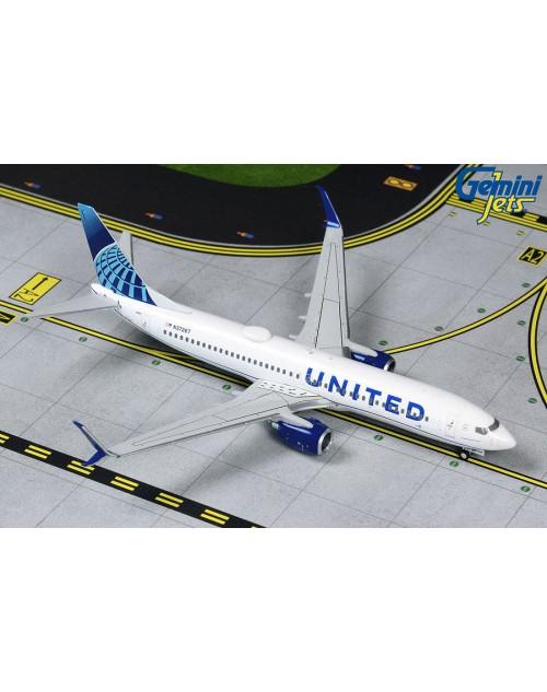 United Boeing 737-824 Scimitar N37267 New colors 1/400 scale diecast GeminiJets
