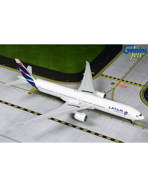 LATAM Boeing 777-300ER PT-MUI 1/400 scale diecast GeminiJets Models