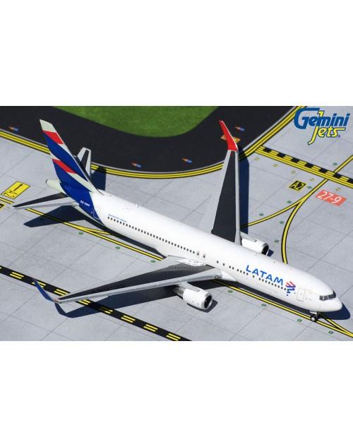 LATAM Boeing 767-316ER (W) CC-CWV 1/400 scale diecast Gemini Jets