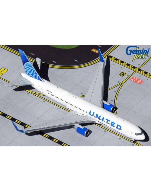 United Boeing 767-322ER (W) N676UA New Colors 1/400 scale diecast Gemini Jets