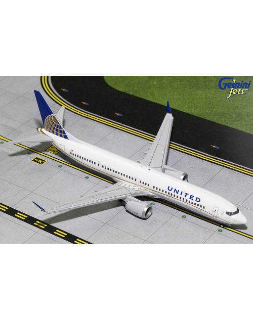 United Boeing 737 Max-9 N67501 Current colors 1/200 scale diecast GeminiJets