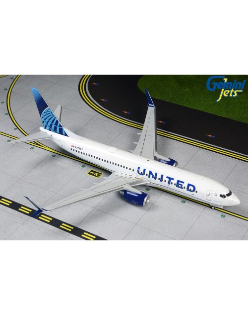 United Boeing 737-824 Scimitar N36267 2019 Colors 1/200 scale diecast Gemini jets