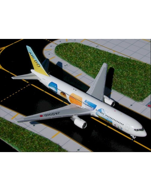 Air Do/Hokkaido International Boeing 767-33A/ER JA01HD 1/400 scale diecast GeminiJets
