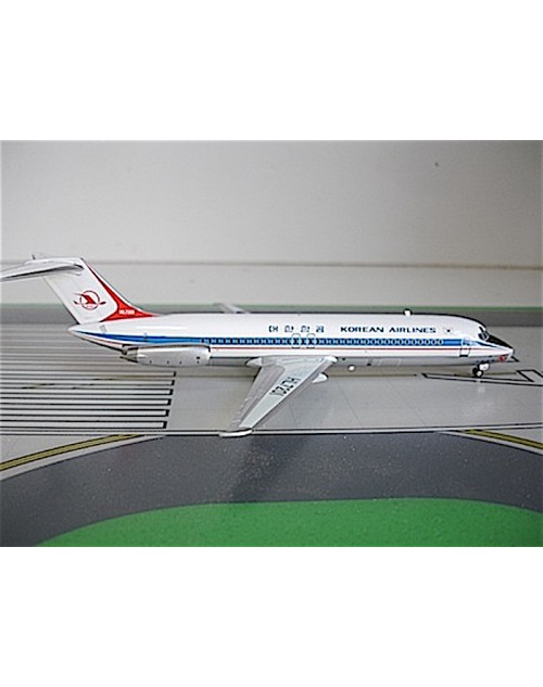 Korean Airlines Douglas DC-9-32 HL-7201 1/200 scale diecast JC Wings Models