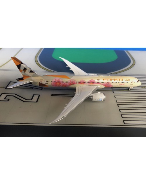 Etihad Boeing 787-9 A6-BLK Choose Japan 1/400 scale diecast JC Wings
