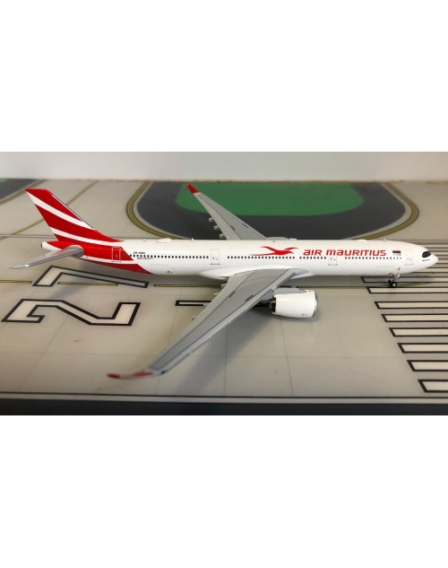 Air Mauritius Airbus A330-900Neo 3B-NBU 1/400 scale diecast JC Wings Models