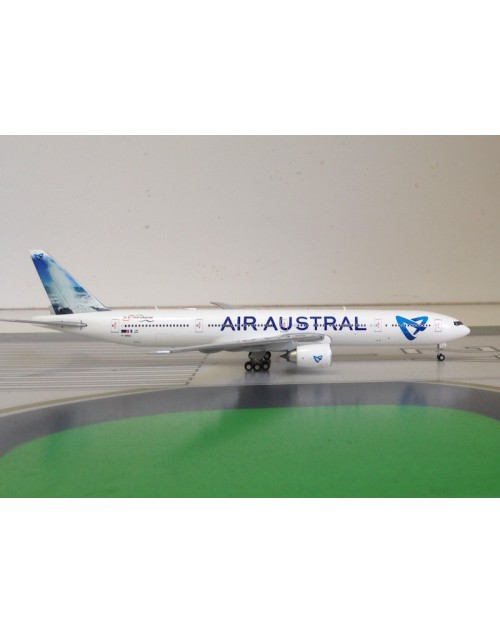 Air Austral Boeing 777-300ER F-OREU 1/400 scale diecast JC Wings