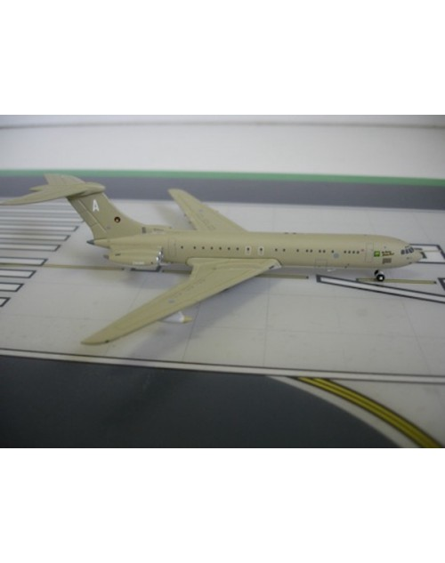 Royal Air Force Vickers VC-10-1101 ZA140 Desert Storm 1/400 scale diecast Jet-X Models
