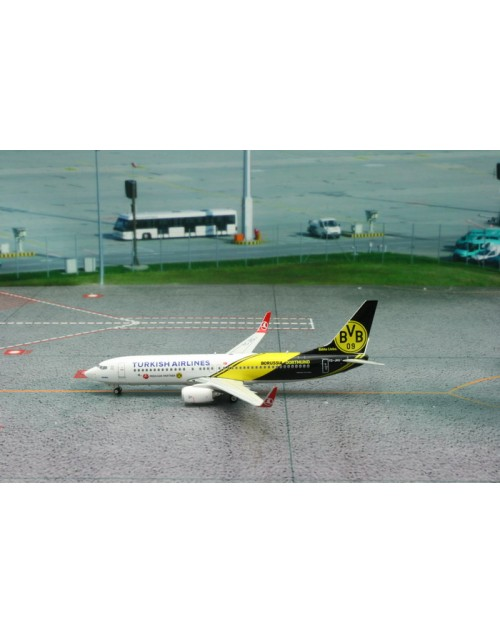 Turkish Airlines Boeing 737-8F2 Winglets TC-JHU BVB 1/400 scale diecast Phoenix Models