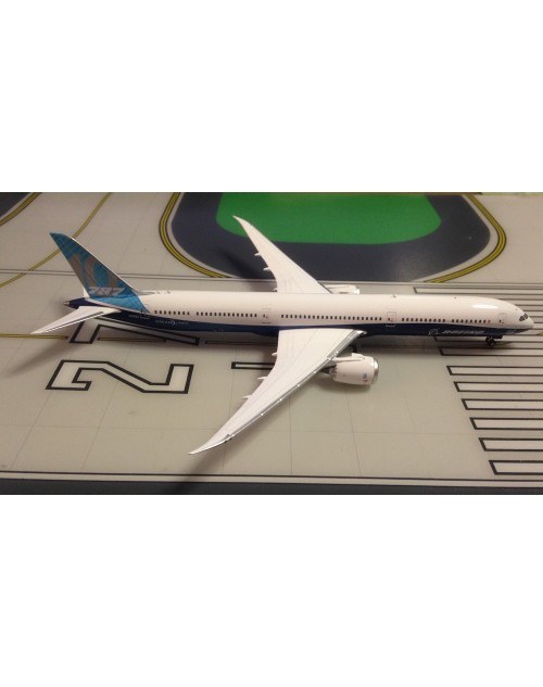 Boeing 787-10 N528ZC House colors 1/400 scale diecast Phoenix Models