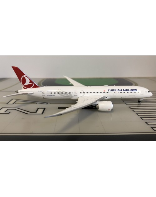 Turkish Airlines Boeing 787-9 TC-LLA 1/400 scale diecast Phoenix Models