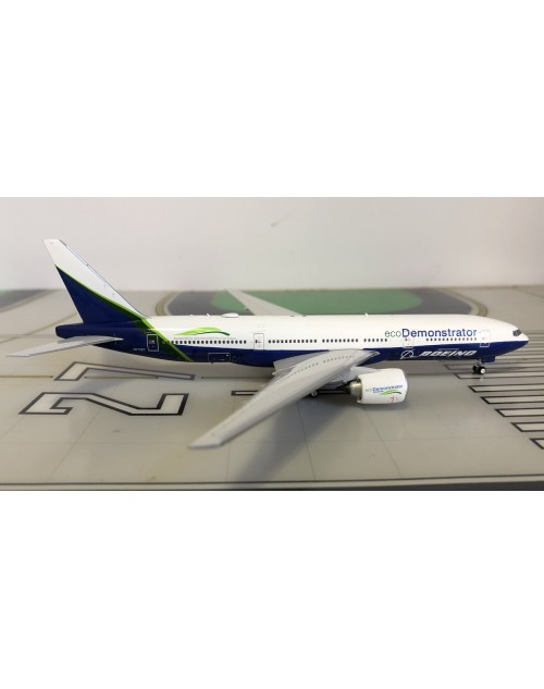 Boeing 777-200 N772ET Eco Demonstrator house colors 1/400 scale diecast Phoenix Models