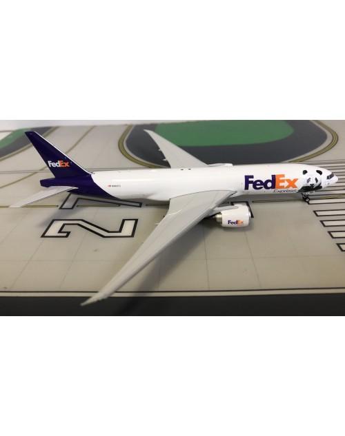 FedEx Boeing 777-200FHT N883FD Panda 1/400 scale diecast Phoenix Models